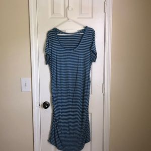 Maternity dress with stripes.